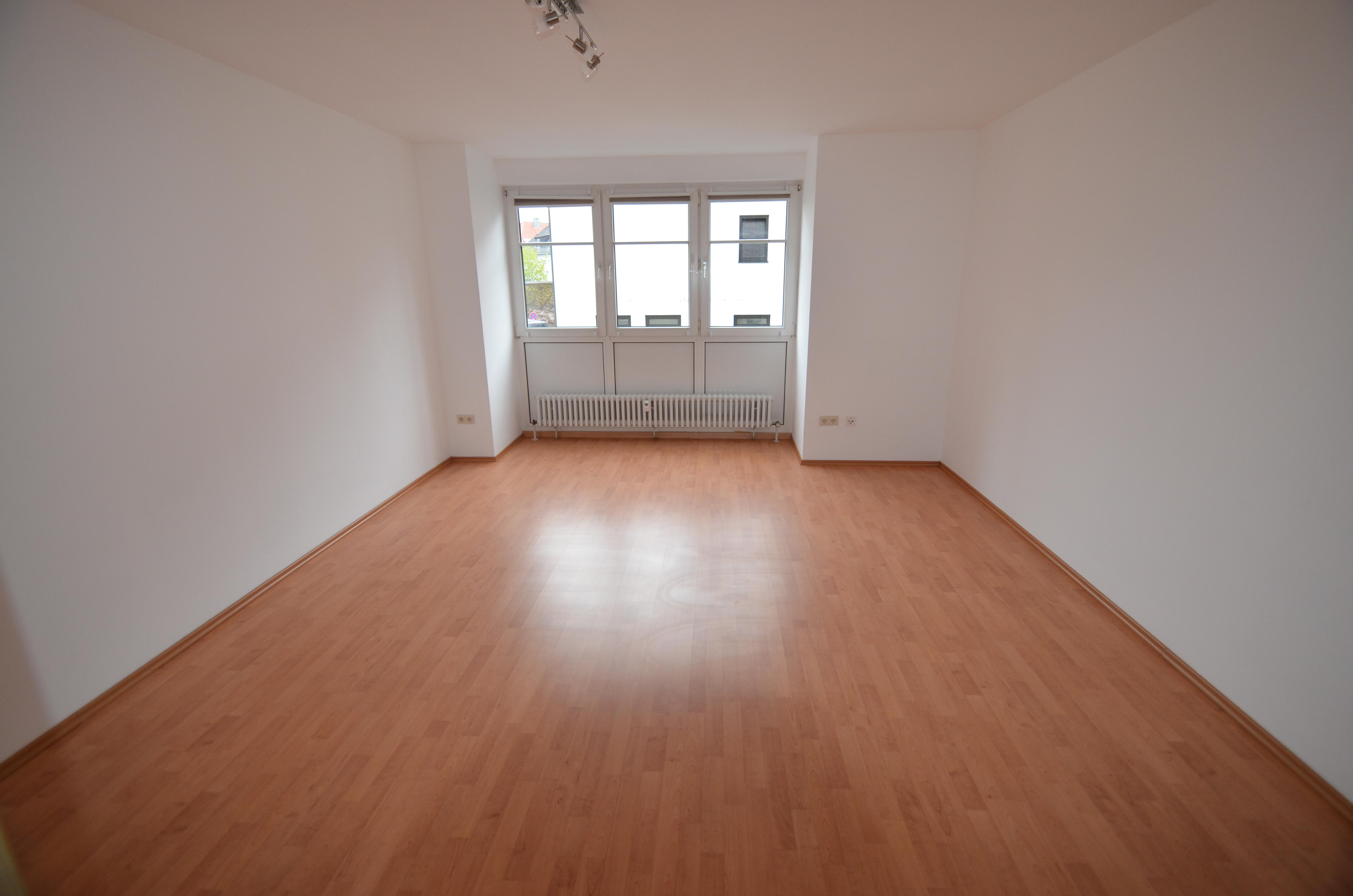 Sehr schönes helles 1-Zimmer-Apartment in zentraler Lage