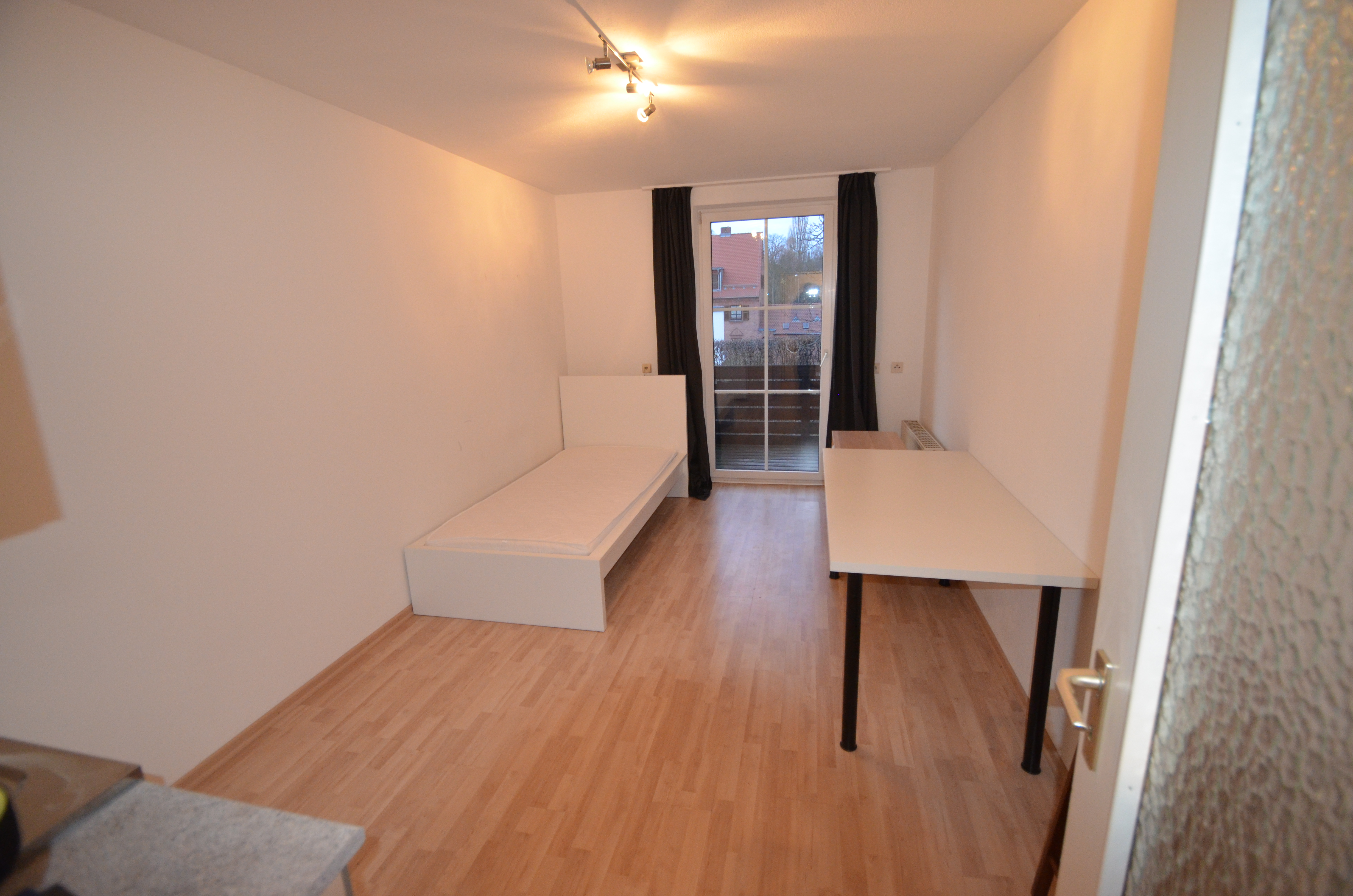 Schickes 1-Zimmer-Apartment mit großem Süd-/Westbalkon