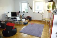 4-Zimmer-Wohnung  im 1. OG mit großer Terrasse und Gartenmitbenutzung