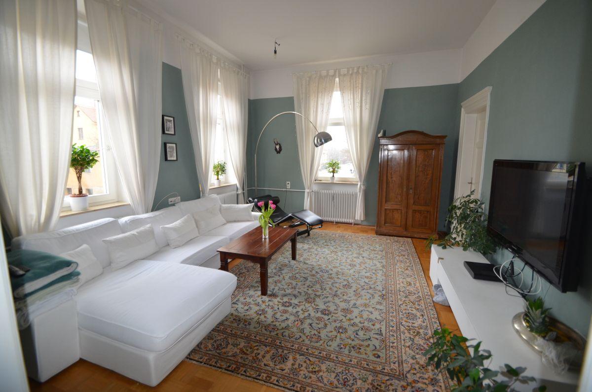 Schicke 4-Zimmer-Altbau-Wohnung  mit großer Terrasse direkt am Hofgarten