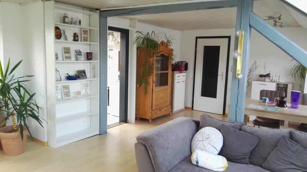 Schicke und helle 2-Zimmer-Wohnung im DG im Herzen von Thurnau