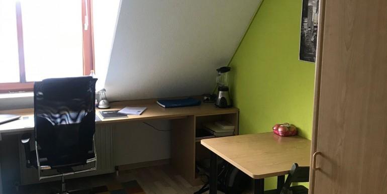 Schreibtisch u. Esstisch